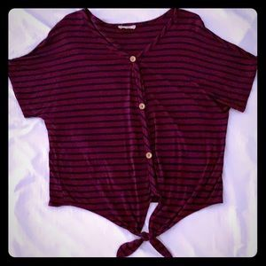 Ladies/juniors striped top w/buttons